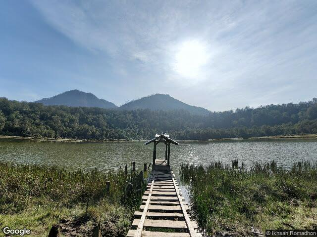Lake Taman Hidup